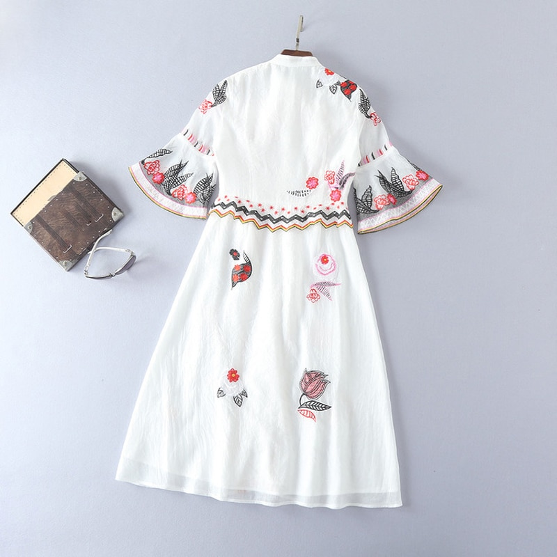 HIGH QUALITY New Fashion 19 Summer Runway Dress Women's Sweet Half Flare Sleeve Bow Collar Gauze Embroidery Flower Dress 3