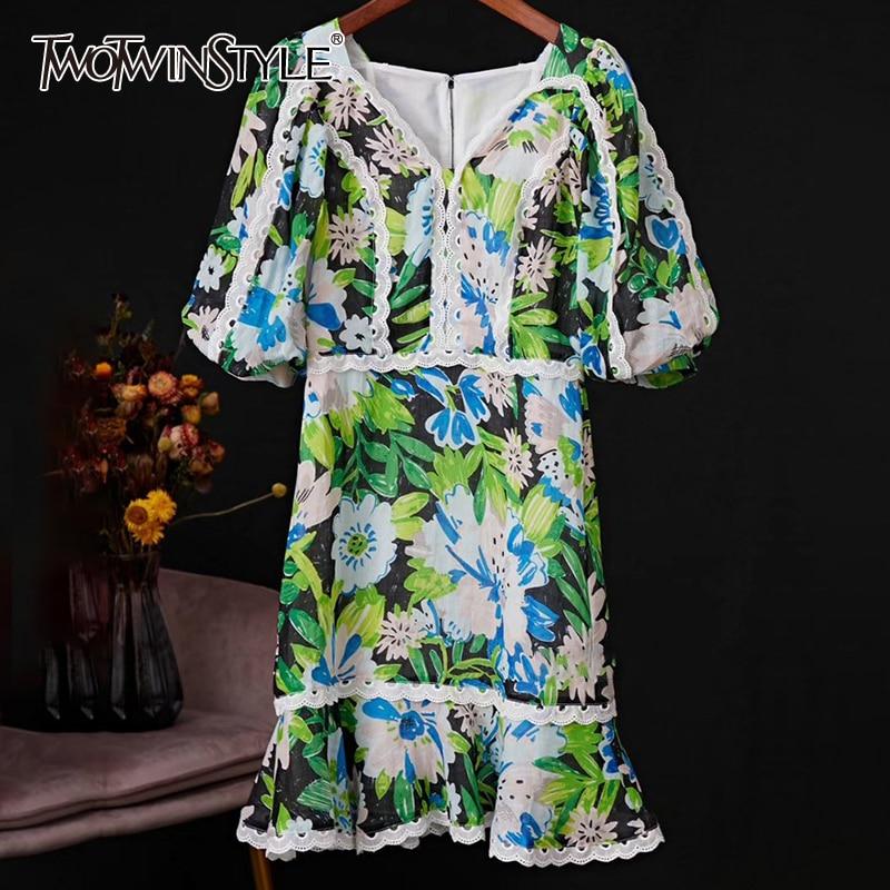 TWOTWINSTYLE Patchwork Lace Print Dresses For Female V Neck Lantern Half Sleeve High Waist Ruffle Dress Women Fashion  Tide 1