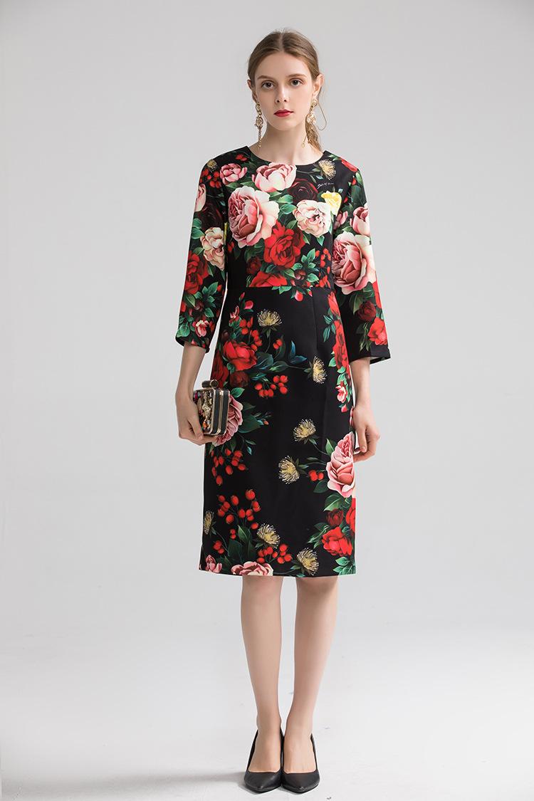Europe&America women high quality floral print dress 19 autumn fashion half sleeves elegant dress B013 3