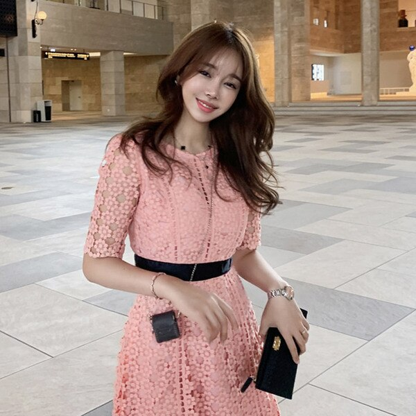 High Quality Runway pink Lace Dress 19 Autumn Women Half Sleeve O-Neck Hollow Out Crochet Slim Prom Office Party Long Dress 2