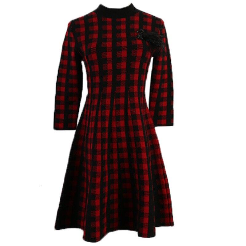 Vintage Wool Blend Plaid Sweater Dress  Autumn Winter Retro Houndstooth Appliques Half Sleeve Pleated Knitting Dress B074 3