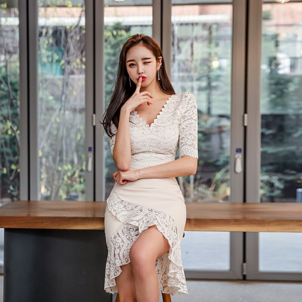 Large Size Lace Patchwork Summer Dress 19 Women Empire Trumpet Korean Wrap Dress Half Sleeve Ruffles Casual Dress Plus Size
