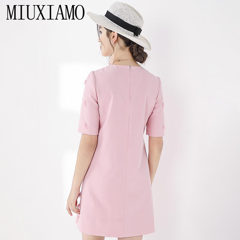 MIUXIMAO TOP QUALITY 19 New Fashion Runway Fall Dress Women's Retro Half Sleeve Appliques Flower Pink Vintage Dress Vestidos 2