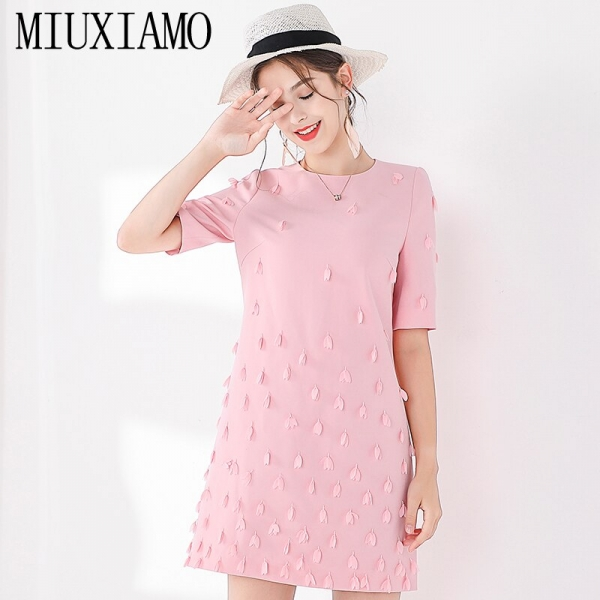 MIUXIMAO TOP QUALITY 19 New Fashion Runway Fall Dress Women's Retro Half Sleeve Appliques Flower Pink Vintage Dress Vestidos
