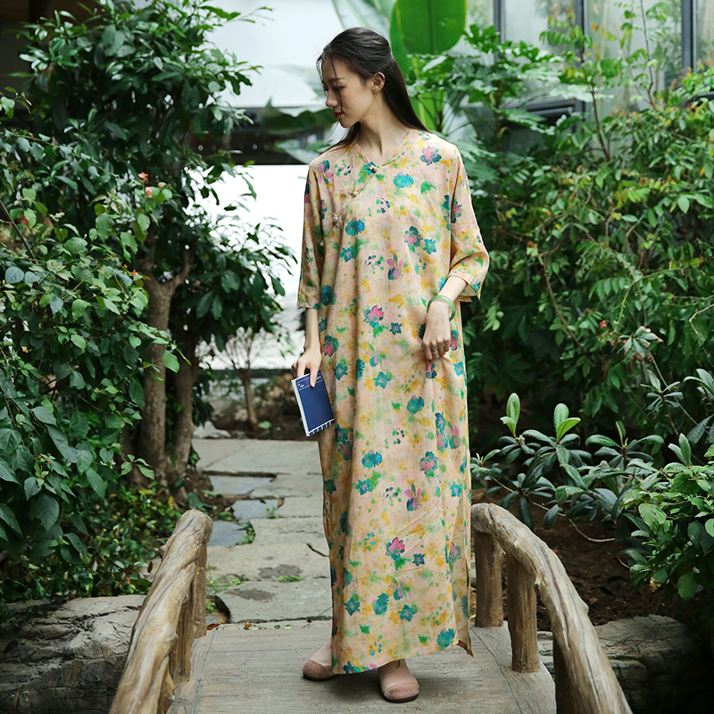 Retro Frog Buttons Long Side Opening Half Sleeve Yellow Floral Dress, Traditional Chinese Cheongsam Style Loose Straight Robes 2