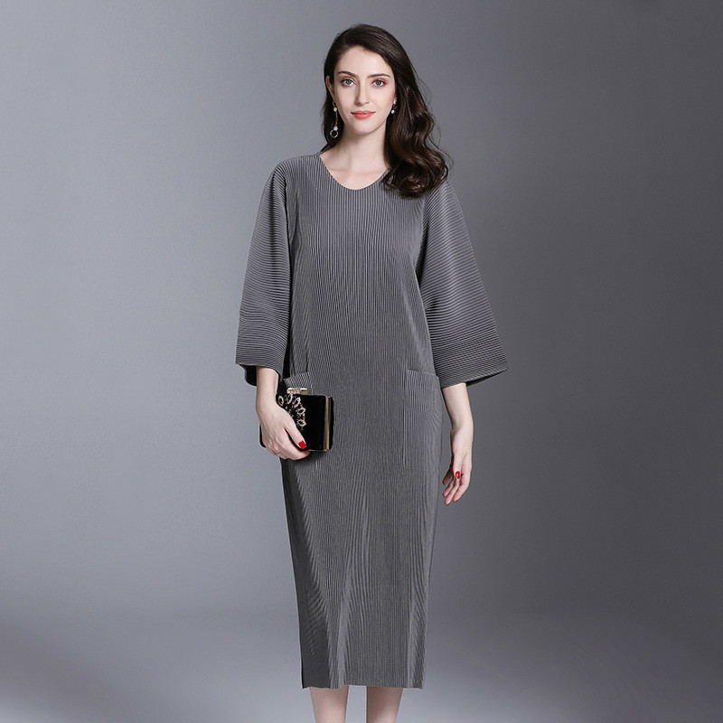 Autumn And Winter Pleats Loose O-neck Half Sleeve Double Pockets Elastic Dress Female's Personality Cloth Vestido D052 2