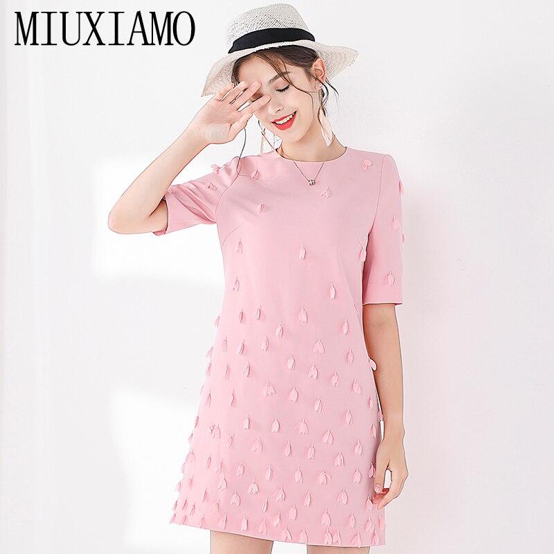 MIUXIMAO TOP QUALITY 19 New Fashion Runway Fall Dress Women's Retro Half Sleeve Appliques Flower Pink Vintage Dress Vestidos 1
