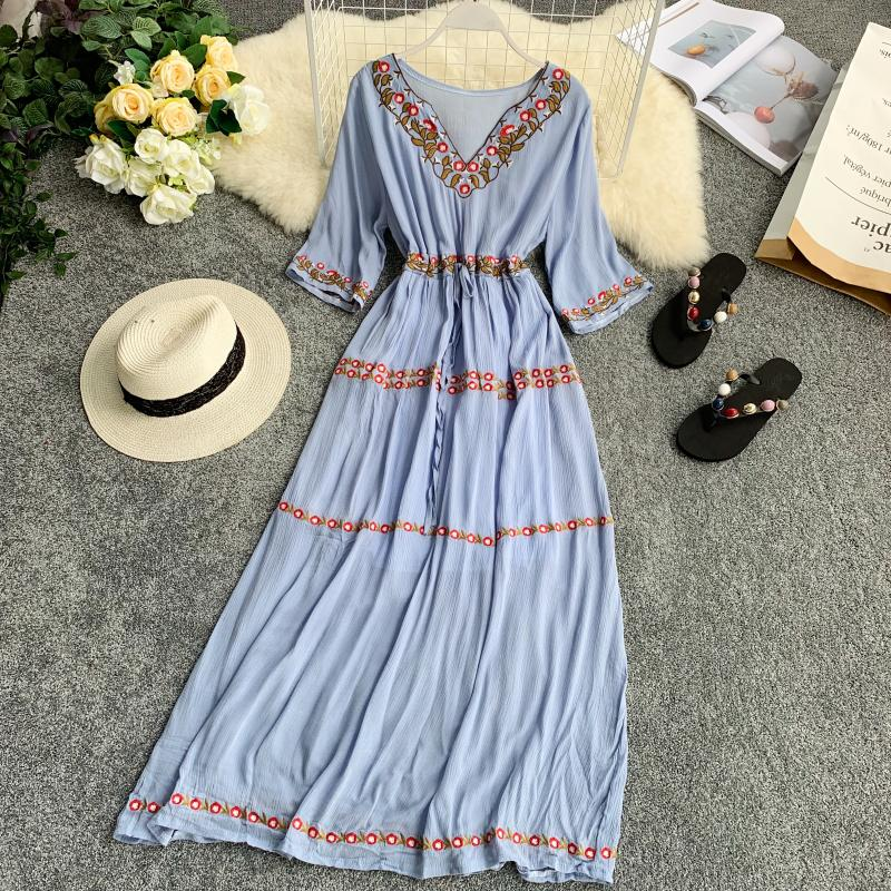 19 new fashion women's dresses Bohemian ethnic embroidery flower V-neck half sleeve tie dress summer 3