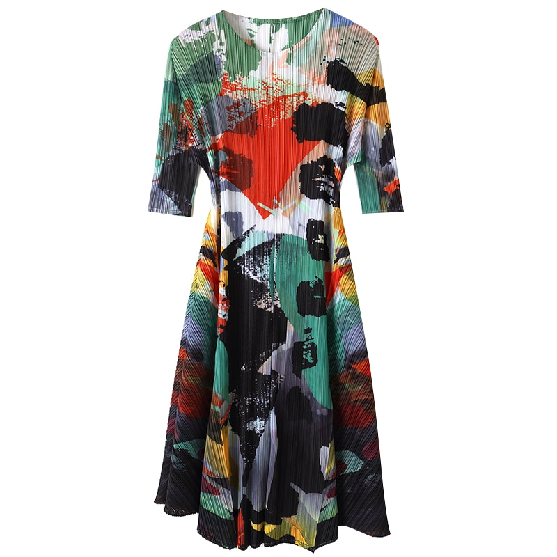 Plus Size Dress Autumn 19 Women's New Printed Round Neck Half Sleeves Loose Elastic Miyake Pleated Dress For Women 45-75kg 3
