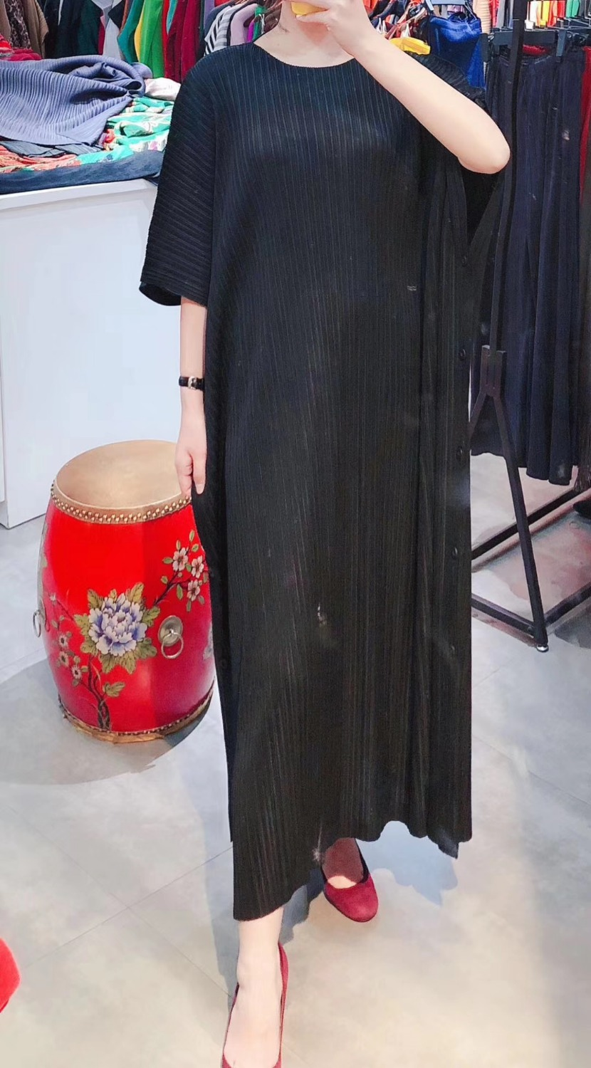 FREE SHIPPING Fashion Miyake fold solid dress half sleeve o-neck loose Dress side buttons dress IN STOCK 2