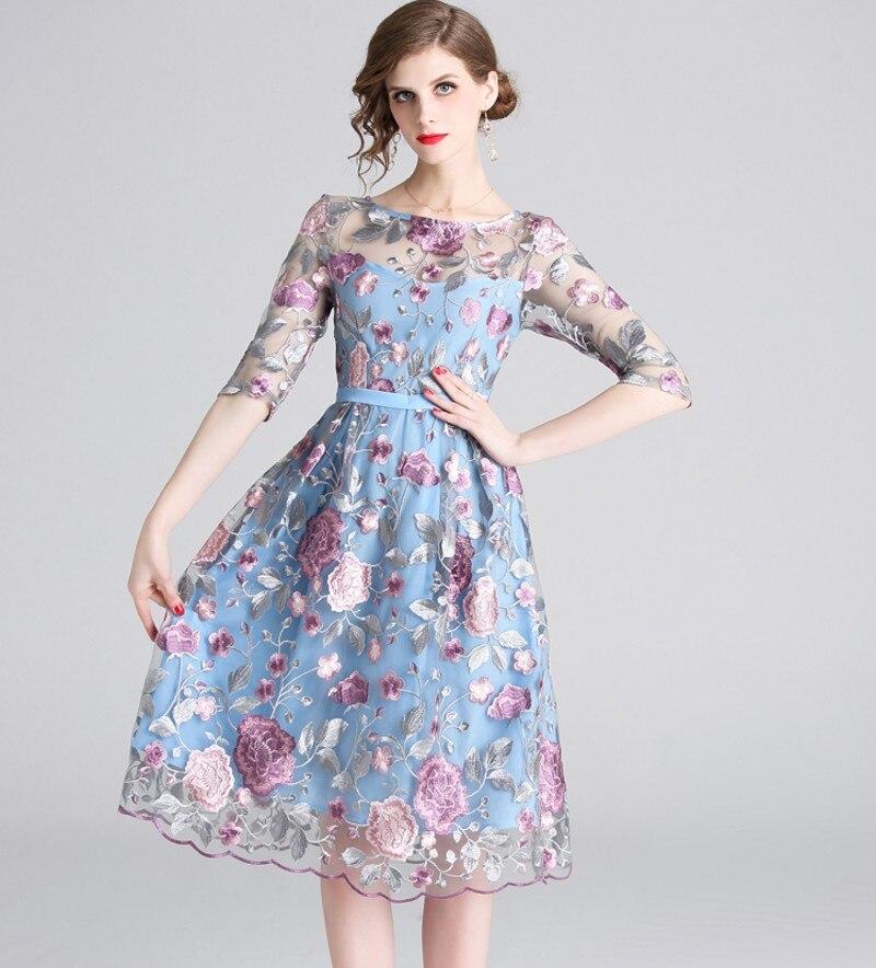 19 spring summer Women Mesh Embroidery half Sleeve Dress Designer Runway Heavy duty embroidered dresses 2