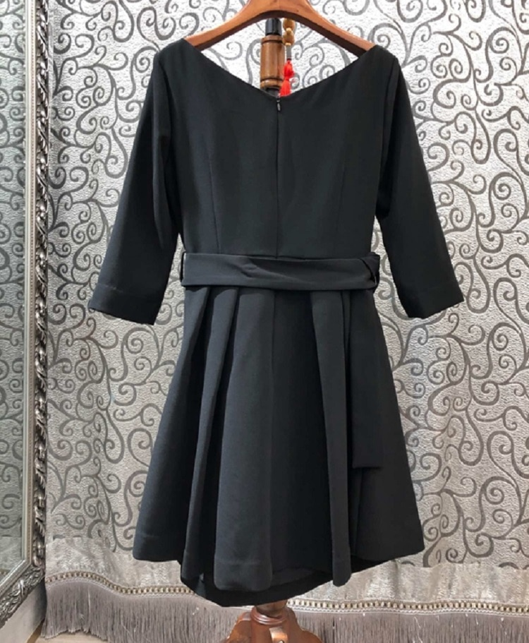 19 Autumn Winter Fashion Black Dress High Quality Ladies V-Neck Buckle Belt Half Sleeve Casual Party Sexy Short Dress Girl 2