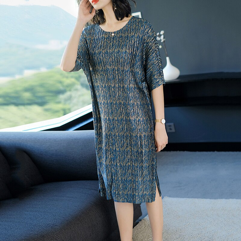 TVVOVVIN 19Summer Fahion New Pleated Clothes For Women Loose Large Size Bawting Sleeve Dresses Half Sleeve Vent Hem Dress B612 3