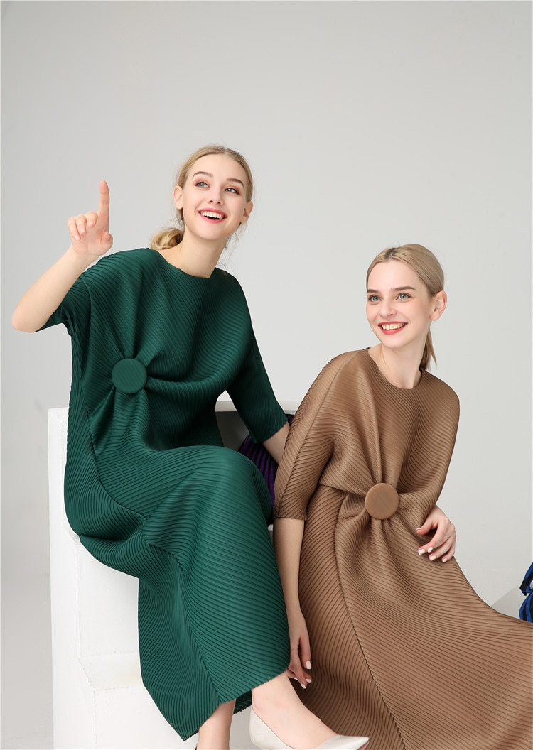 FREE SHIPPING Miyake Fashion wrist half sleeve Patch sequined O-neck fold dress button straight dress IN STOCK 1