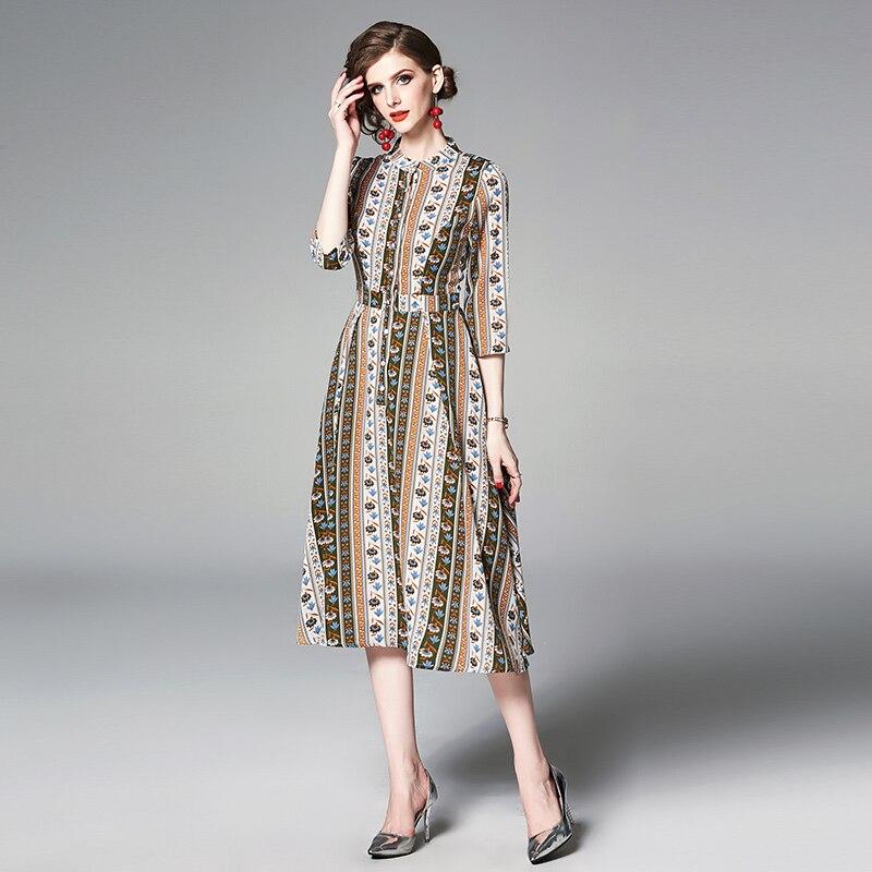 YASUGUOJI New 19 Summer Dress Women Vintage Floral Dress Half Sleeve A Line Stand Collar Single Breasted Slim Dress Women 3