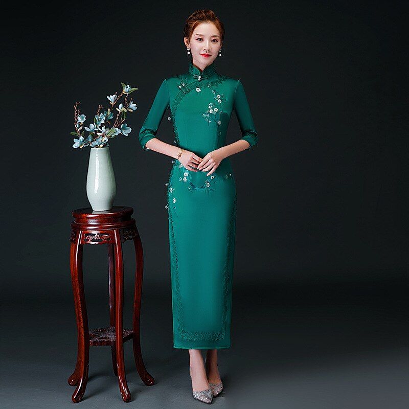 Oversize 4XL Autumn New Arrival Vintage Half Sleeve Embroidery Cheongsam Sexy Women Formal Long Dress Print Flower Satin Qipao 1