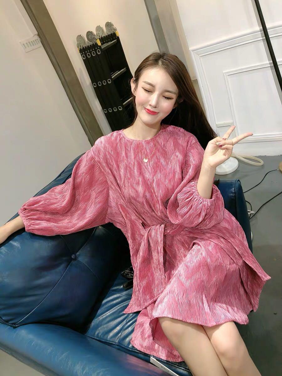 Women's Lantern Half Sleeve Dress O Neck Solid Color Party Pleated Mini Dress