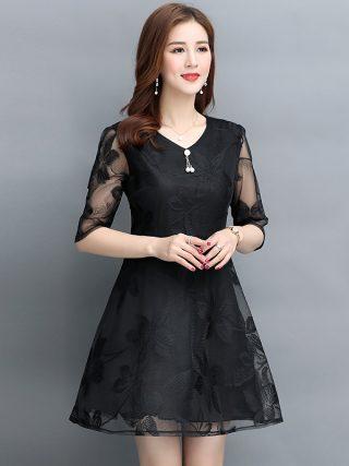 Women's fashion Mesh dress vintage V-Neck Half sleeve Lace dress Summer new black temperament Large size A-Line dress