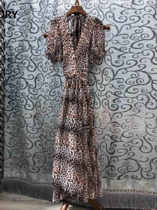 High Quality New 19 Summer Sexy Long Dress Women V-Neck Back Bow Elegant Half Sleeve Sexy Wild Leopard Print Beach Maxi Dress