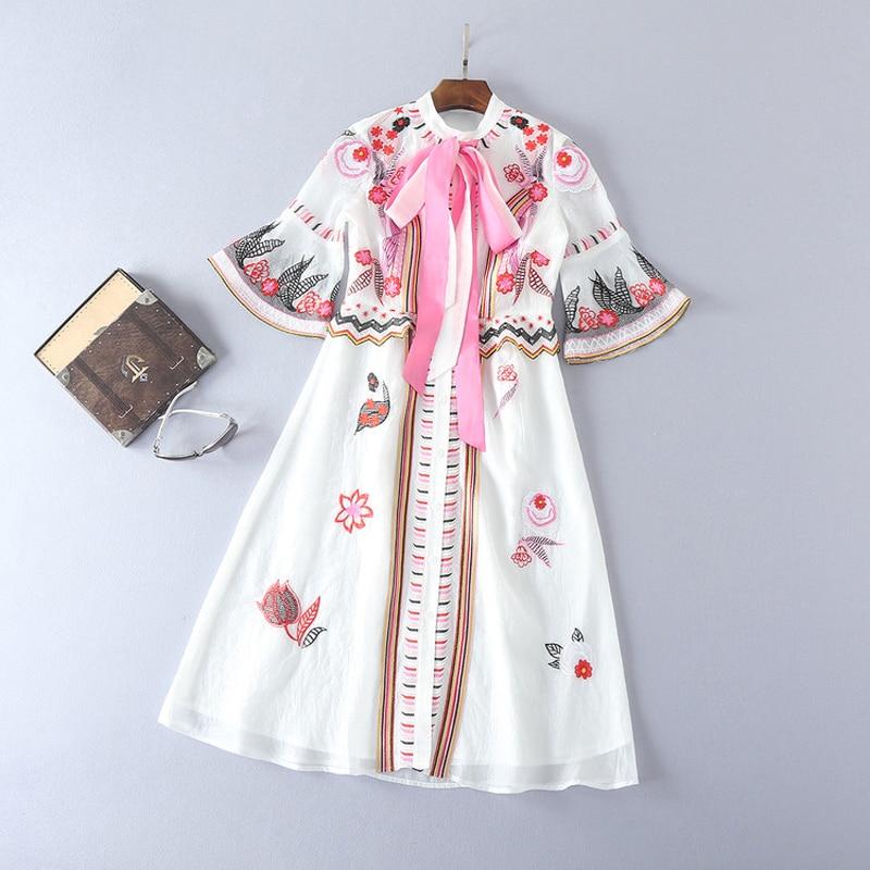 HIGH QUALITY New Fashion 19 Summer Runway Dress Women's Sweet Half Flare Sleeve Bow Collar Gauze Embroidery Flower Dress 2