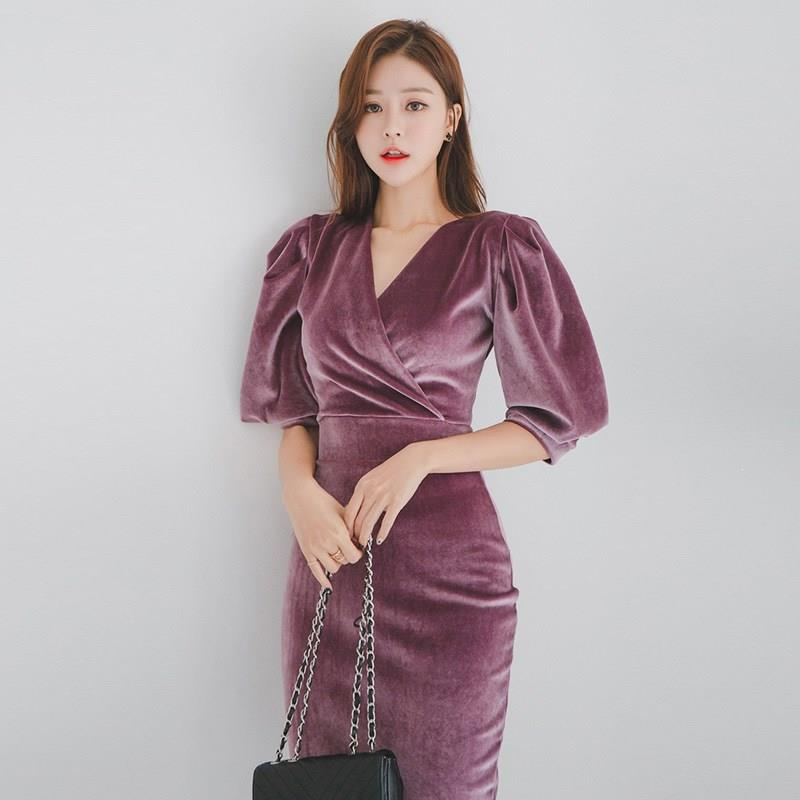 Women Elegant Velvet Dress V Neck Half Puff Sleeve Pencil Bodycon Dress Slim High Waist Midi Dresses 3