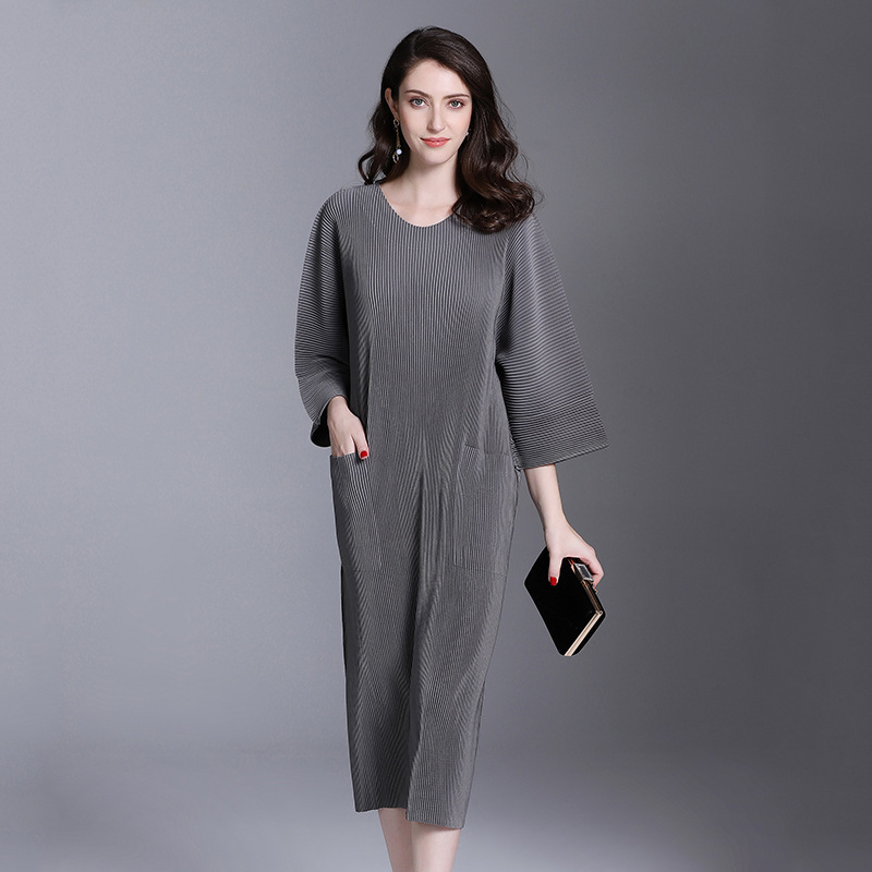Autumn And Winter Pleats Loose O-neck Half Sleeve Double Pockets Elastic Dress Female's Personality Cloth Vestido D052 3