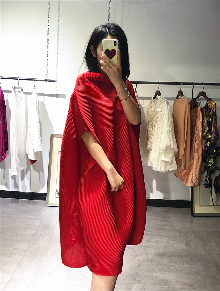 FREE SHIPPING Miyake fold half sleeve dress slash neck solid batwing sleeve loose dress IN STOCK