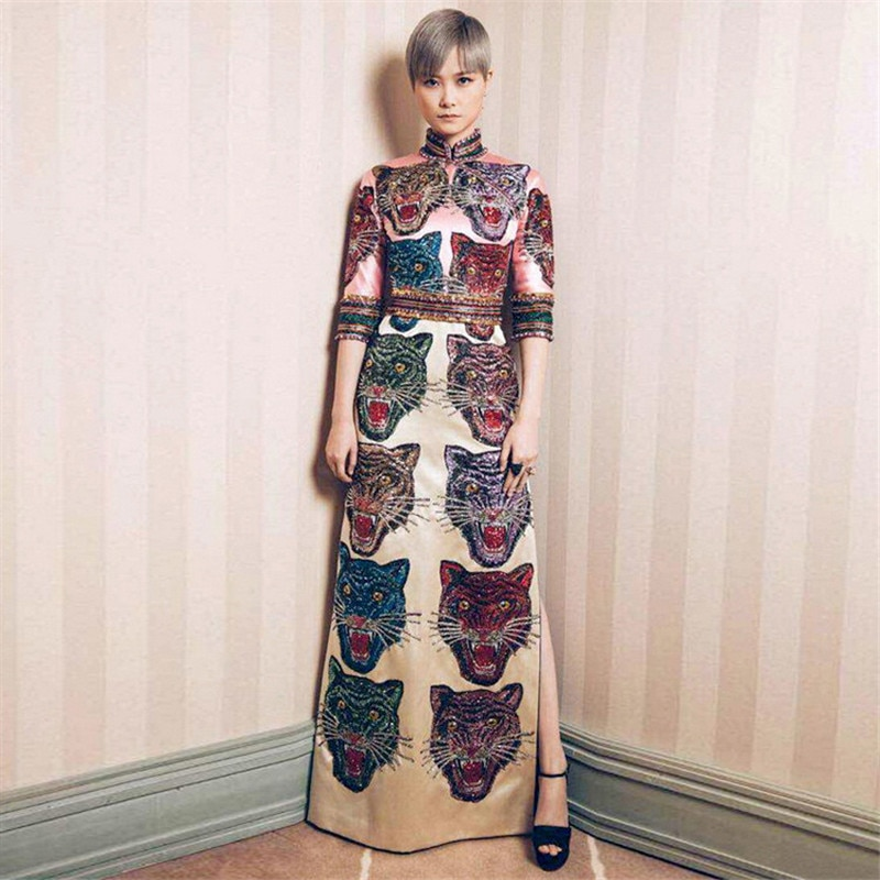 19 Summer New Arrival Women Stand Collar Half Sleeve Beaded Cartoons Printed Side Split Designer Long Runway Dresses Lucury 3