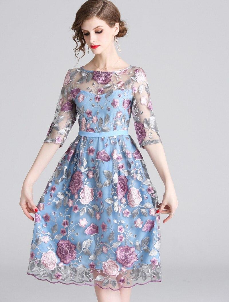 19 spring summer Women Mesh Embroidery half Sleeve Dress Designer Runway Heavy duty embroidered dresses 3