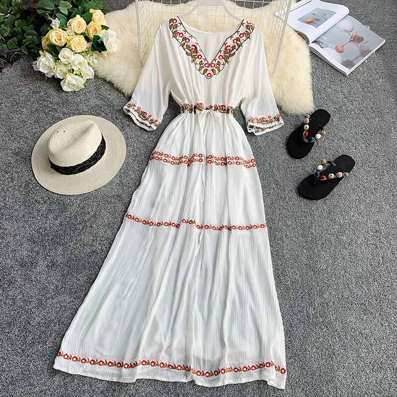 19 new fashion women's dresses Bohemian ethnic embroidery flower V-neck half sleeve tie dress summer 2
