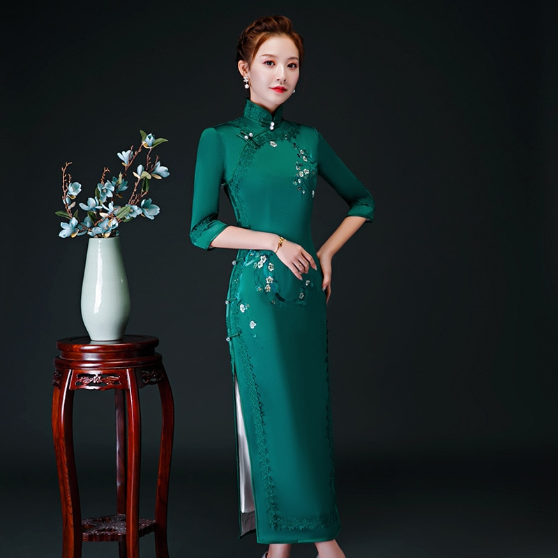 Oversize 4XL Autumn New Arrival Vintage Half Sleeve Embroidery Cheongsam Sexy Women Formal Long Dress Print Flower Satin Qipao 3
