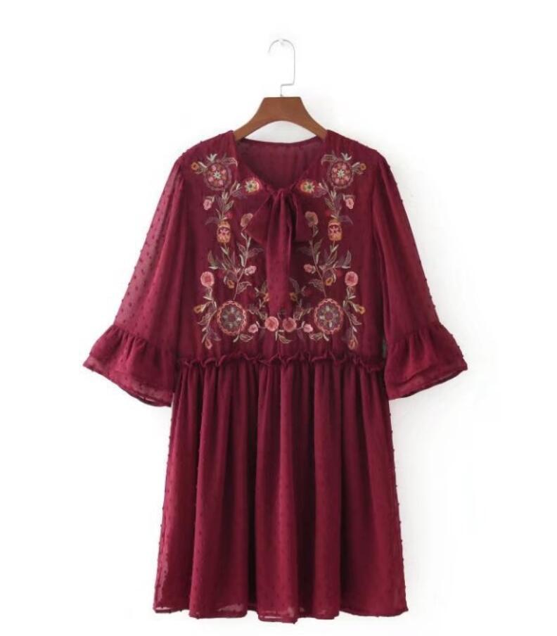 Fashion Women Flower embroidery O-Neck Lacing Mini Dresses Casual Half sleeve Slim dress Womens Clothing