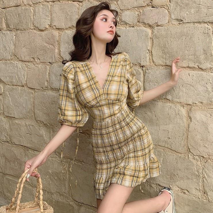 Autumn 19 New V-neck Waistband Hip , Short , Plaid Dress With Half Sleeves, Small Dress 1