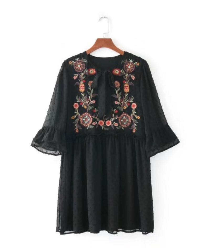 Fashion Women Flower embroidery O-Neck Lacing Mini Dresses Casual Half sleeve Slim dress Womens Clothing 2