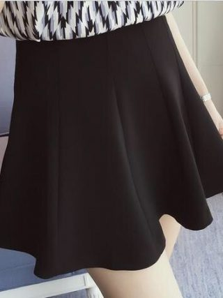 summer Women Short skirt new solid color high waist Large size black Pleated Mini fashion skirt