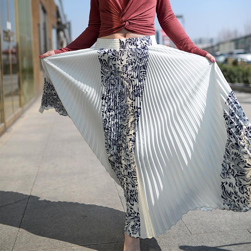 Vintage Print Elastic High Waist Korean Women Long Skirts Black White Maxi Pleated Skirt Saias Fadalas 2