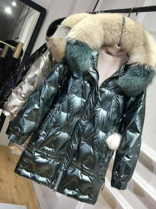 Winter Duck Down Jacket Ladies Hooded Massive Fox Fur Collar