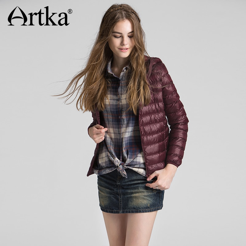 2018 Autumn & Winter Ultra Light Short Women Down Jacket 90% White Duck Down Female Slim Hooded Coat DK11262D 2